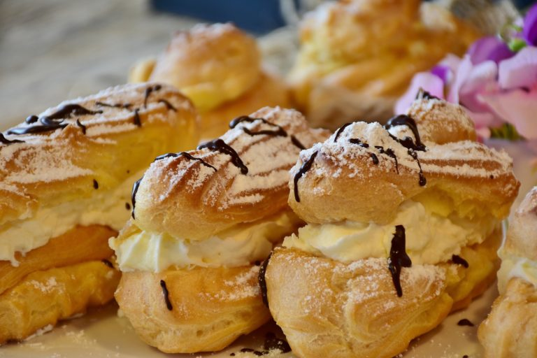eclairs chouquettes